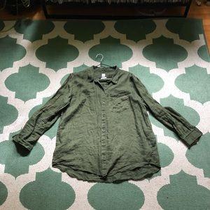 Jungle green linen shirt.